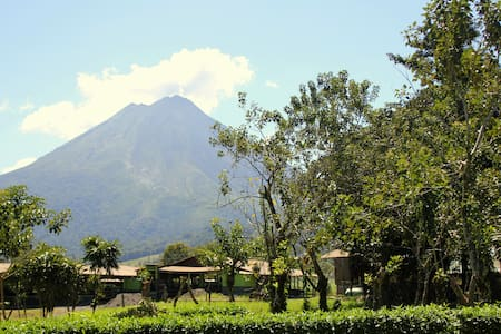 Abuela Flory Home & Access to Arenal Manoa Hotel - La Fortuna - Ev