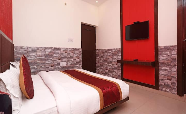 Deluxe Room 1(Hotel Hill View)
