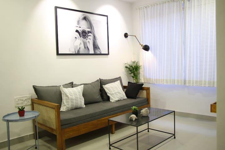 Brilliant 1BHK Apartment in Pali !