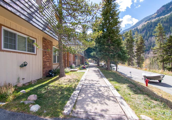 Mountain views and tall pines are just outside your vacation rental.