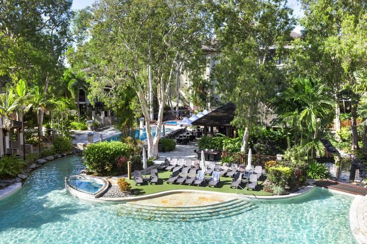 Sea Temple 221 Palm Cove 3 Pools Beachfront Resort