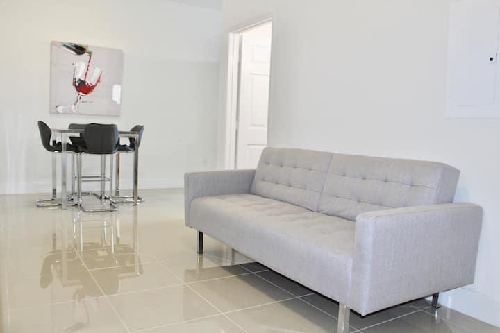 The LUXE Miami - APT #24: Luxury Apt Near Brickell