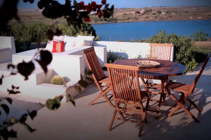 MemaMare - Camera in villa vista mare e lago -SB2
