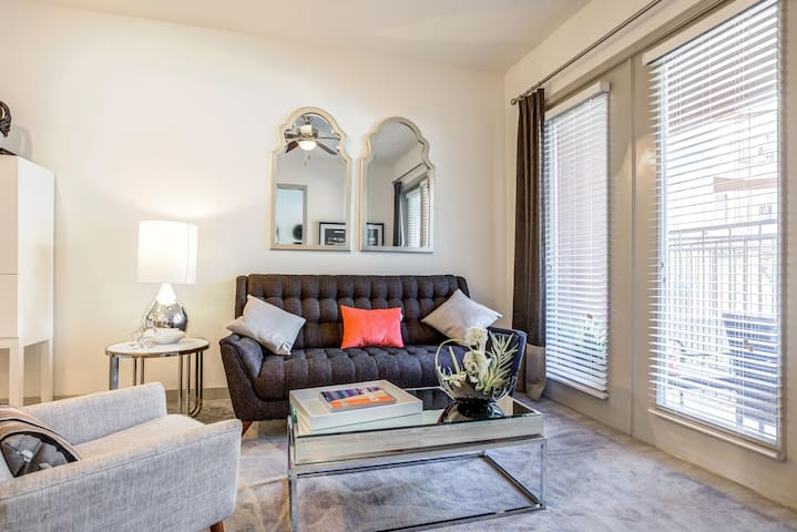 Gorgeous Fully Furnished 1BR in Englewood