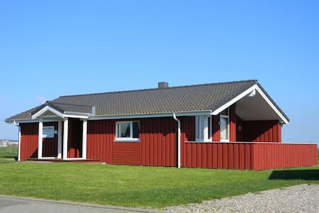 Scandinavian wooden house North Sea - Wesselburenerkoog