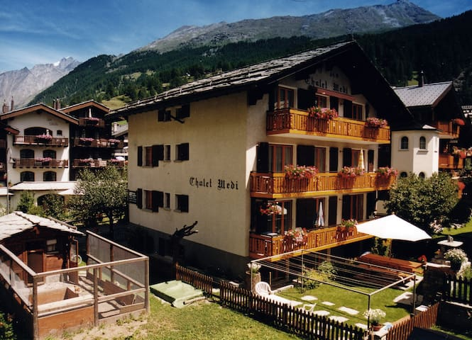 Gästezimmer im Chalet Medi - Zermatt - Apartment