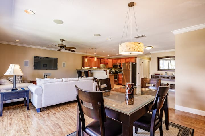 SPACIOUS APARTMENT WITH HEATED POOL IN THE HEART OF FMB