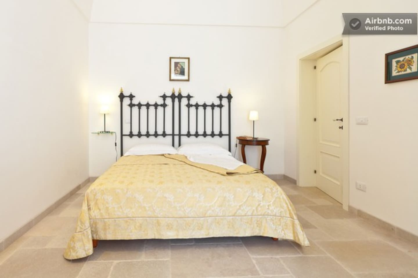 The double bed - Il letto matrimoniale