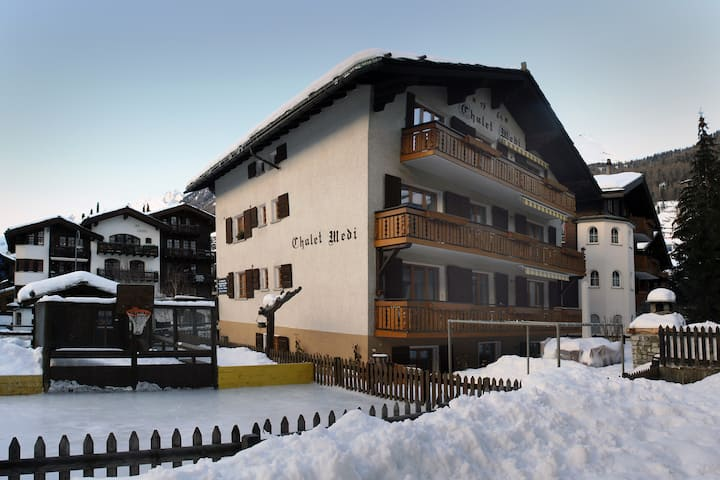 4-Bed Apartment at Chalet Medi