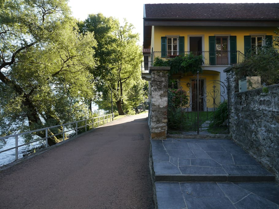 Treppe vom Uferweg