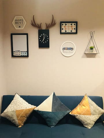 TT YOUR HOME!(LAST MINUTE DEAL) Modern Style Room