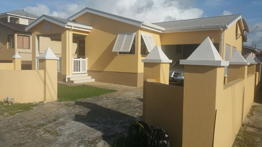 Home In Barbados - Fitts Village