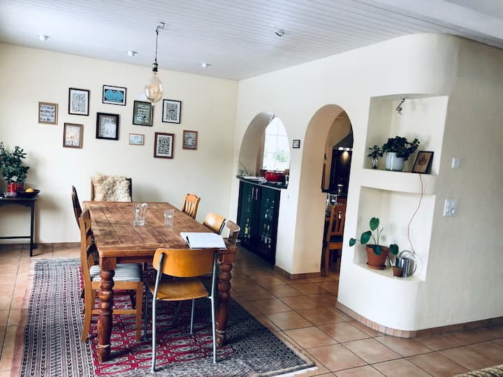 Full furnished room Januar - März close to Zurich
