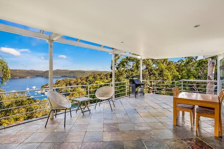 Panoramic Pittwater Retreat
