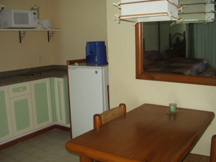 KITCHENETTE  AND DINING AREA (UNIT 2603)