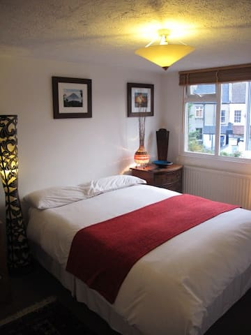 Lovely and clean double bedroom - Brighton - Bed & Breakfast