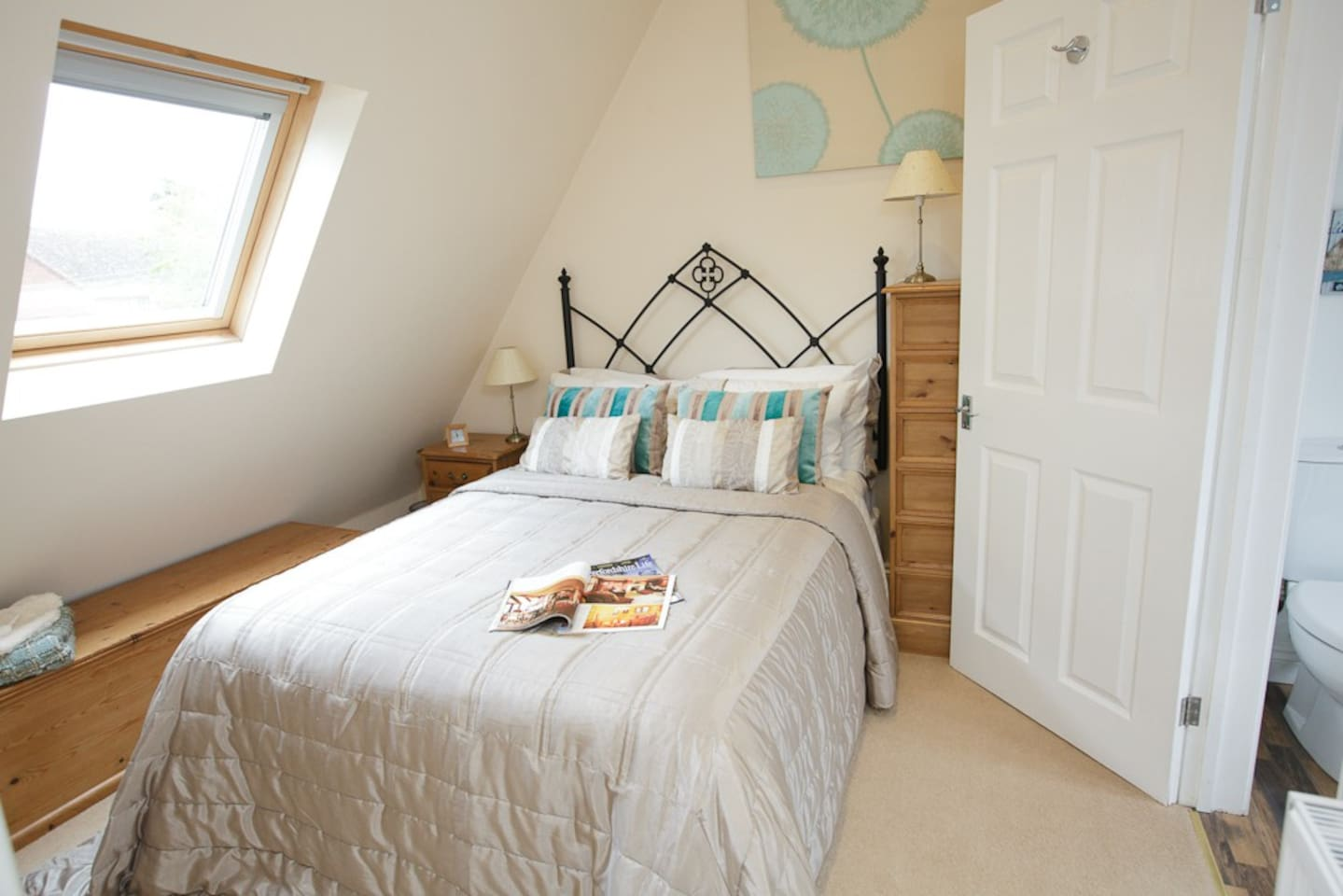 Double bedroom with black out blinds, en-suite bathroom.