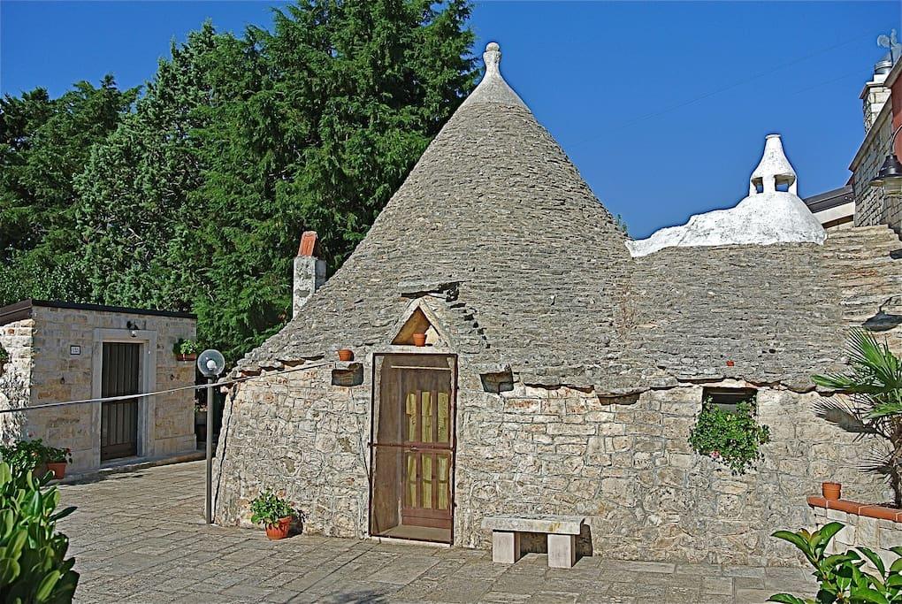 Relax In Puglia We Love Trullo Villas For Rent In