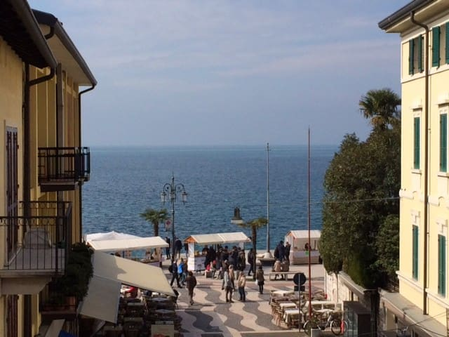 App. LAKE VIEW into Lazise's heart. - Lazise - Leilighet