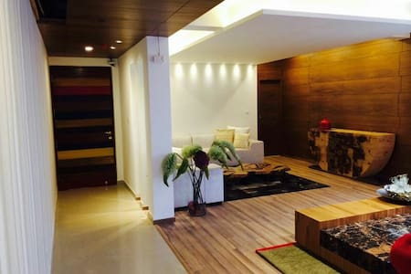 Chic Apartment in ATS Indirapuram - Ghaziabad - Departamento