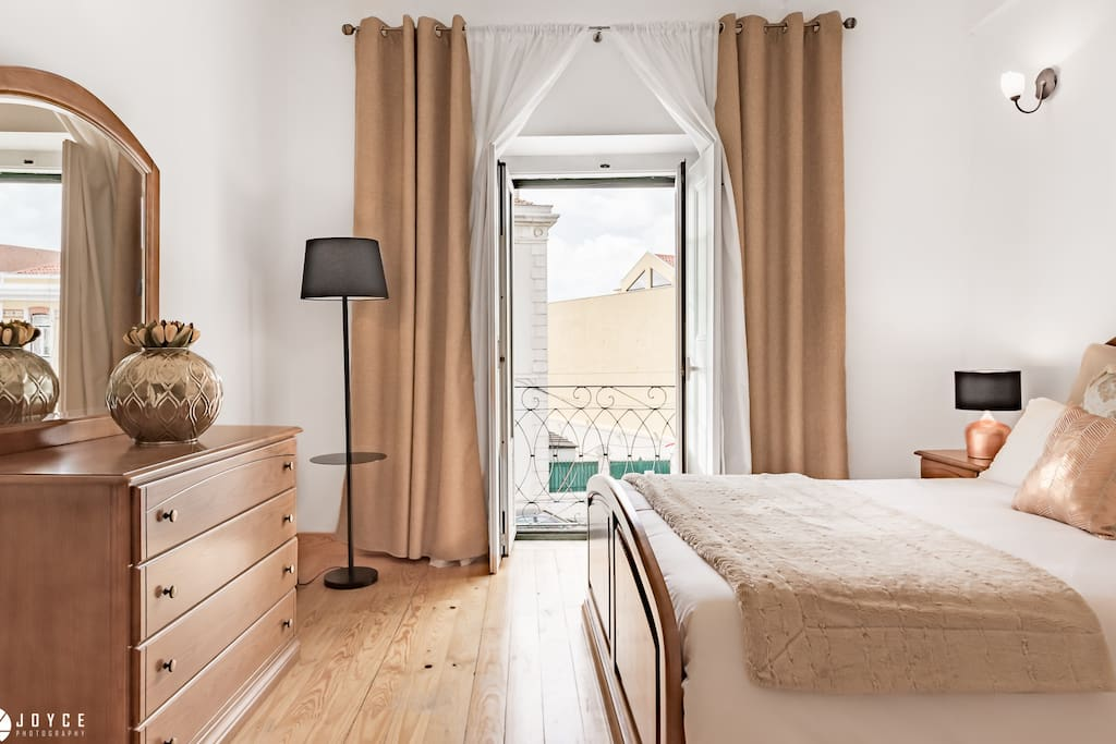 Main Bedroom with  street view