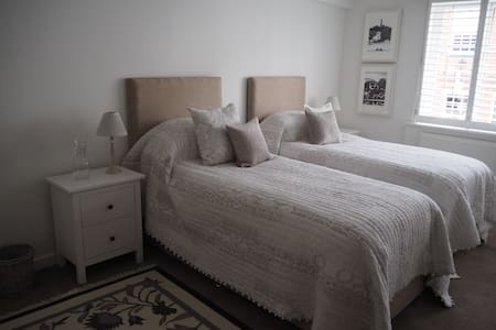 Stunning Apartment in City Centre - Chichester - Appartement