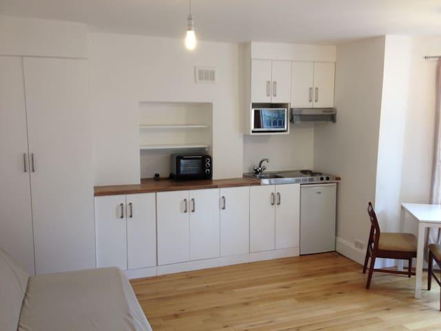 Self Contained Studio Apartment  - London - Haus