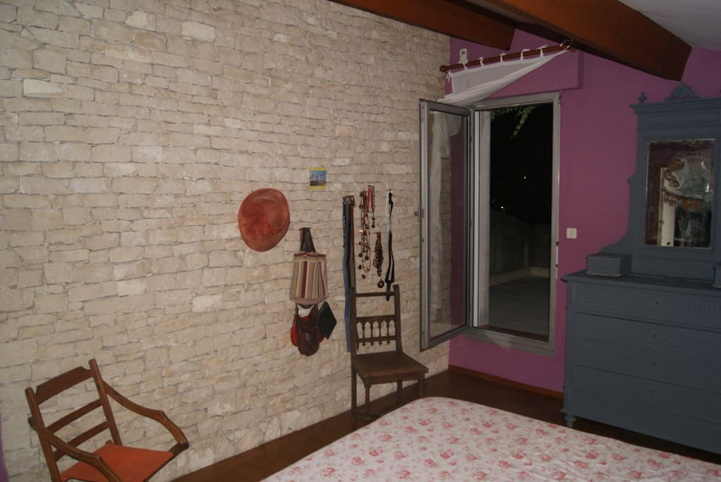 Chambre d 39 h tes petit d j maisons louer avignon for Avignon chambre d hotes