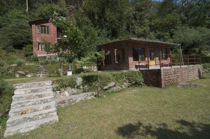 Kuflon Basics - A Himalayan Getaway