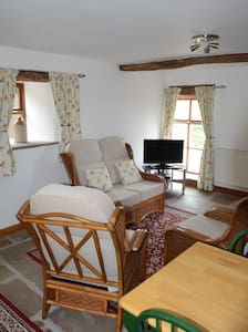 Crimpton Farm Owl Cottage - Hus