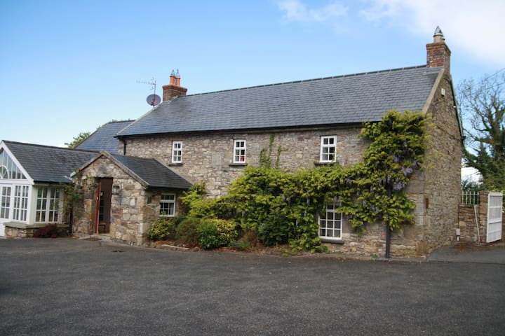 The Stables Farmhouse and Lodge