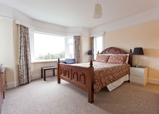 Lovely B&B by Coast & Golf Course - Down - Bed & Breakfast
