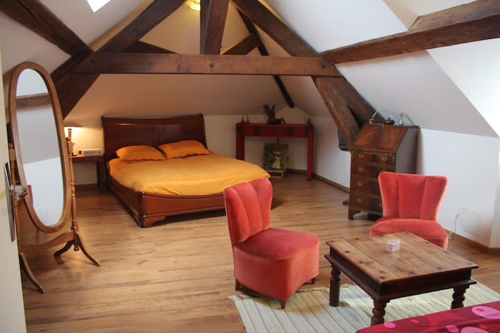 Room for 2-4 persons under the roof - Triel-sur-Seine - Pousada