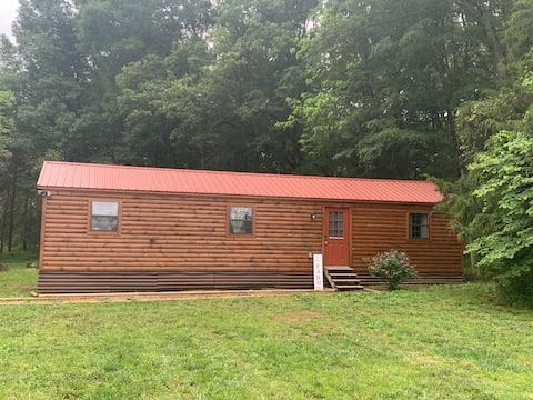 """Oh Deer"" Rustic Cabin near Nashville"