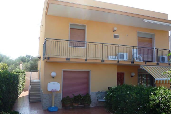Villa Franca appart. 50 m. dal mare - Giovinazzo - Byt