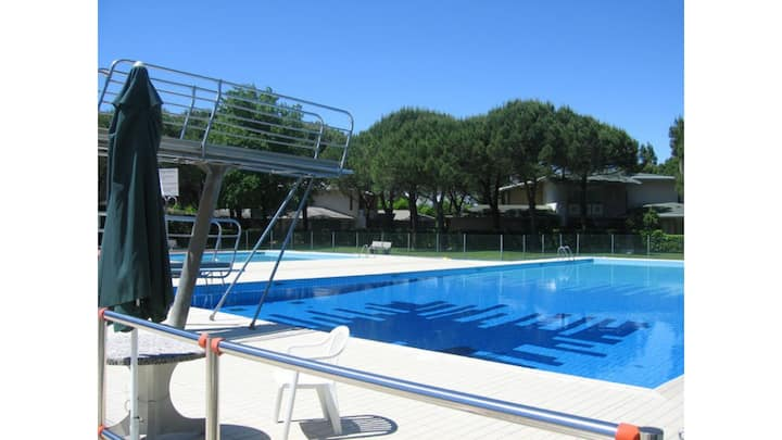 Recidence con grande piscina e posto spiaggia