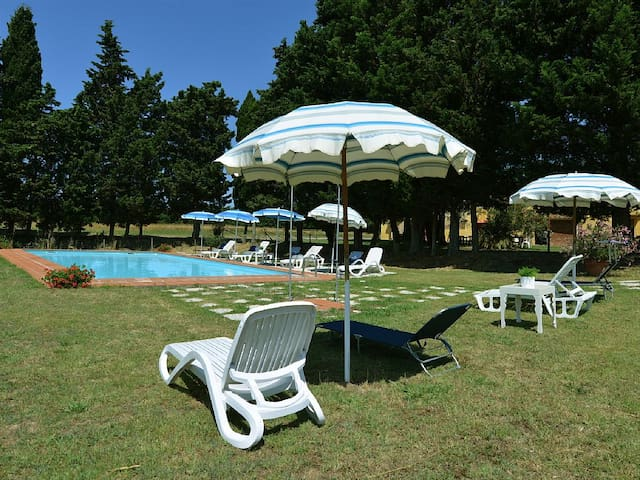 Relax, pool, WiFi, fireplace, BBQ, table tennis - Guasticce - Casa