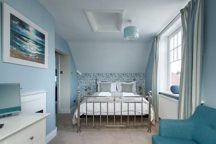 Alton House Sheringham Room 3