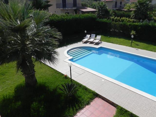 VILLA WHIT SWIMMING POOL VIEW SEA - Torre Colonna-sperone