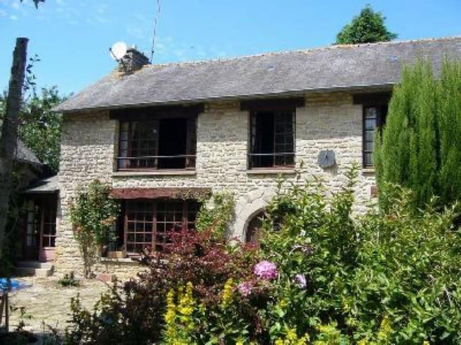 Maison de caract re pr s de dinan casas en alquiler en guenroc breta a francia - Casas de alquiler en francia ...