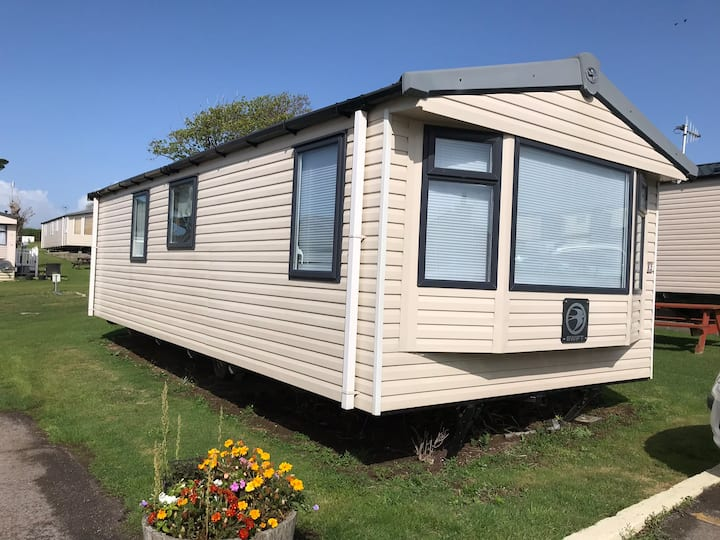 Chesil Retreat, Pebble Bank Caravan Park, Weymouth