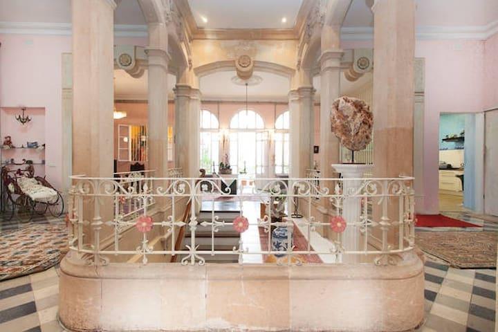 Mansion of Antonio Gaudi - Felanitx - Inny