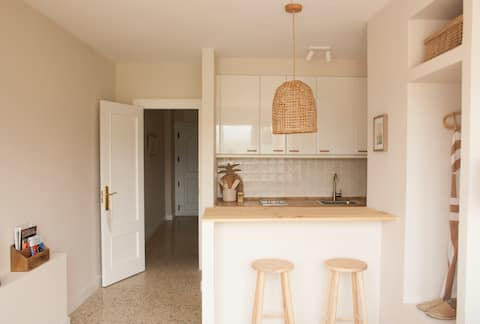 BEACH VI apartment+parking by Aston Rentals