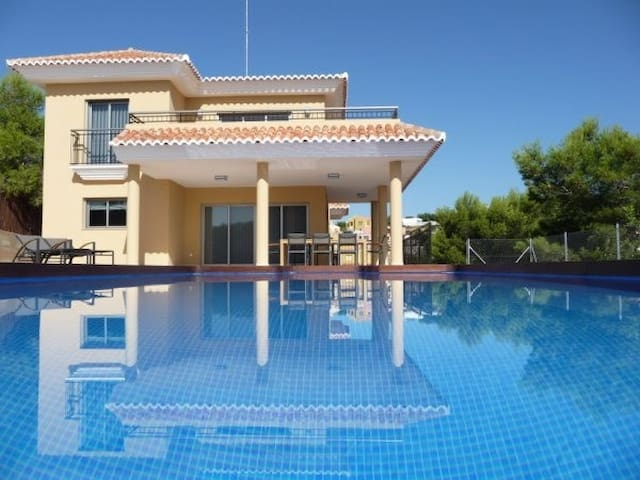 LUXURY VILLA WITH PRIVATE POOL  - Alginet - Villa