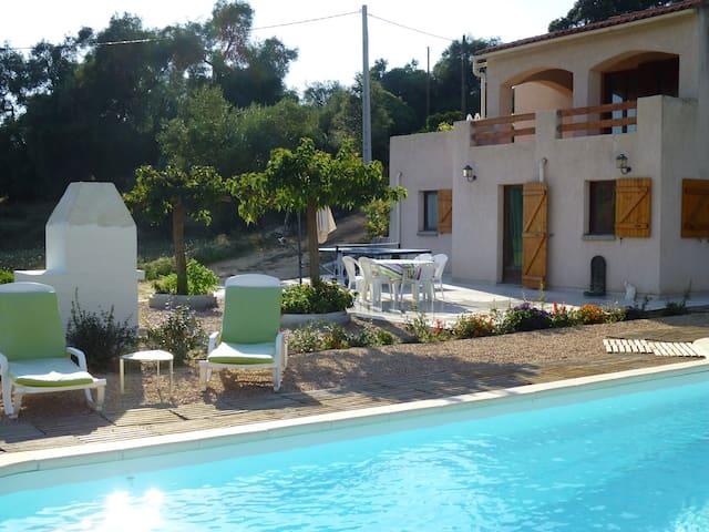 Ajaccio Beau Rez de villa + piscine - Sarrola-Carcopino - Huis
