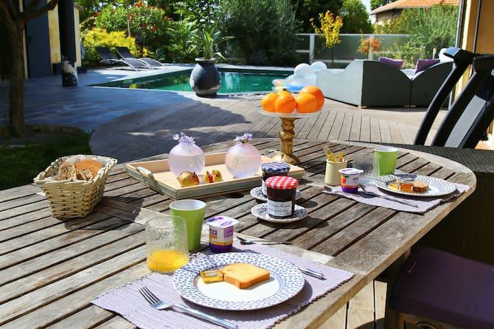 Petit-déjeuner au soleil!