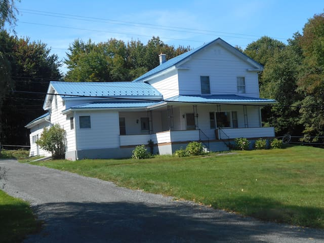 5 bedroom farmhouse - Honesdale - Casa