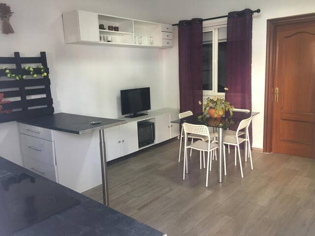 Studio Apartment  (Paseo Generalife )