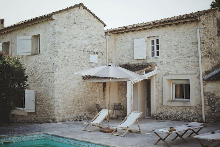 Studio de charme dans mas provençal