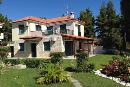 New modern,cozy 4 bedrooms house - Paliouri